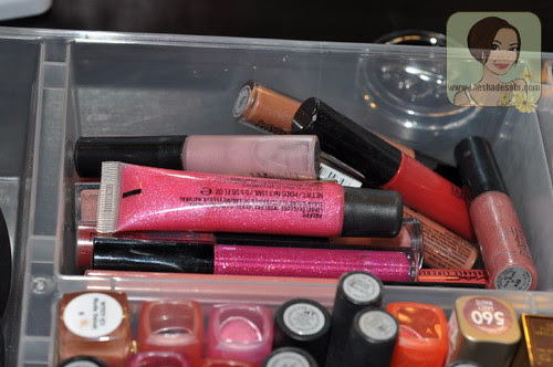 My Makeup Vanity Set-Up With DIY Lighted Mirror - The ...