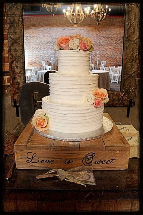 Best 25  Wedding cake boxes ideas on Pinterest   Wedding