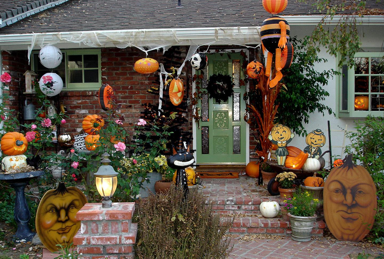 Halloween Exterior House Decorations