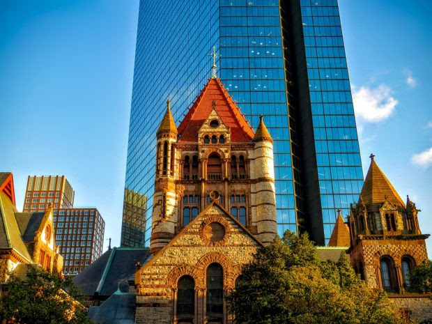 Group Touring Boston's Historical Landmarks