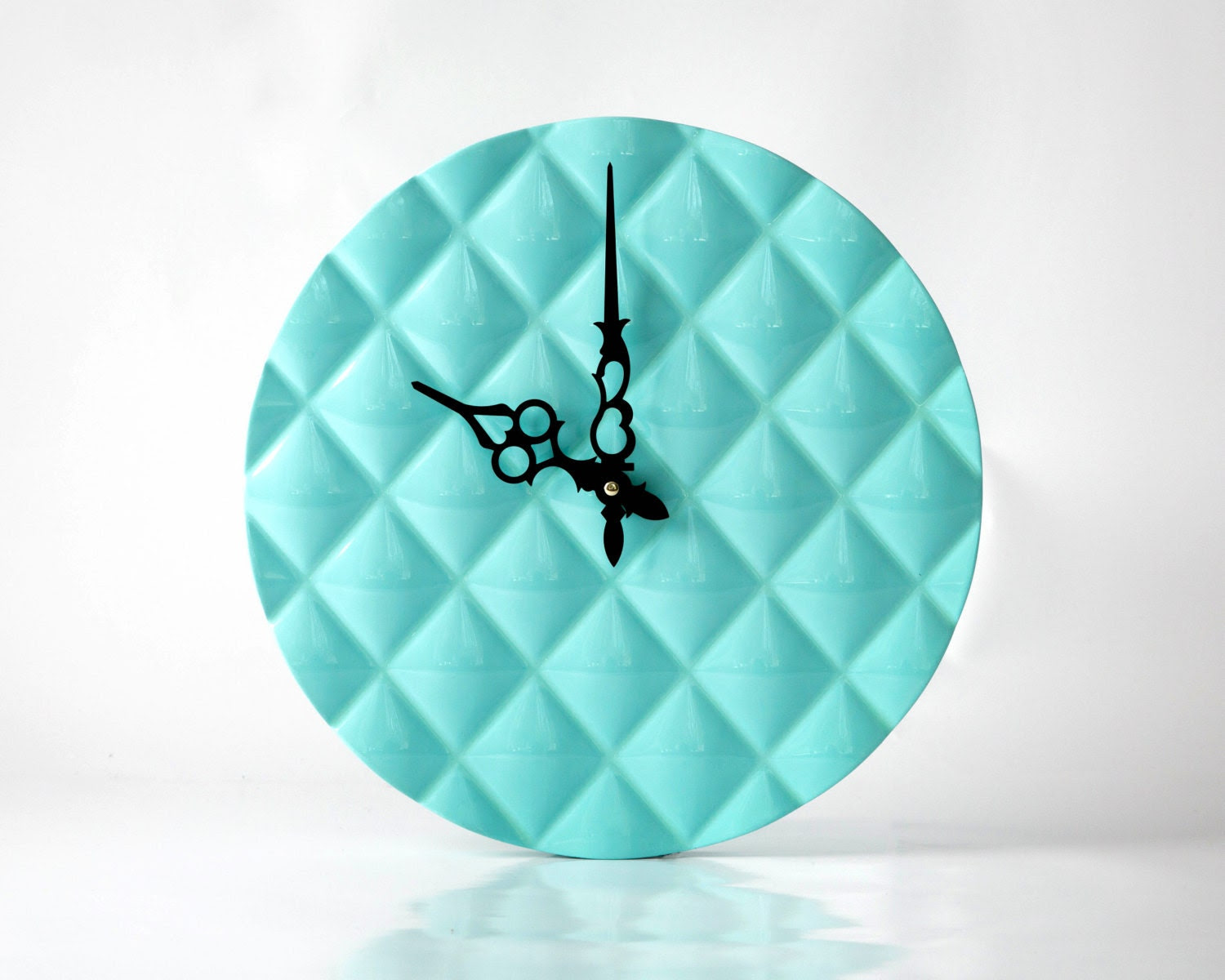 Wall clock made Glossy Turquoise Light , diamond 3d pattern cut, shiny - DesignAtelierArticle