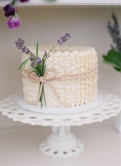 25  best ideas about Ruffled wedding cakes on Pinterest