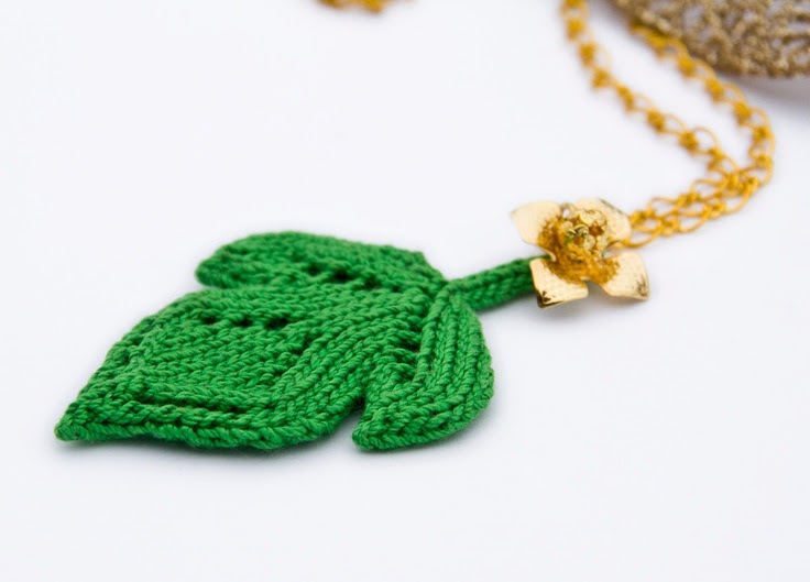 Beautiful colours ! Green knit leaf Necklace, knitted pendant, golden chain. $28.00, via Etsy.