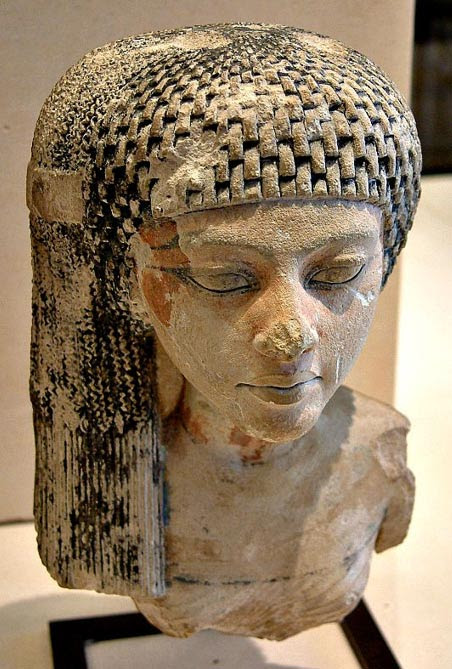 Bust of Meritaten, daughter of Nefertiti and Akhenaten and Great Royal Wife of the Eighteenth Dynasty. Louvre, Paris.