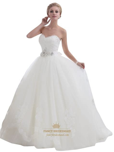 Ivory Lace Bodice Tulle Skirt Wedding Dress With