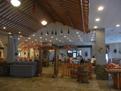 DSCN0146 _ Restaurant, Shenyang, September 2013
