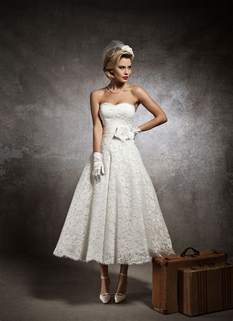 Country Style Vintage Summer Wedding Dresses Ivory Button