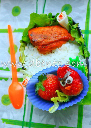 angry bird 'wanna be' bento