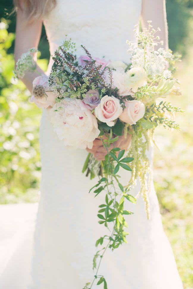Delicate cascading bouquet