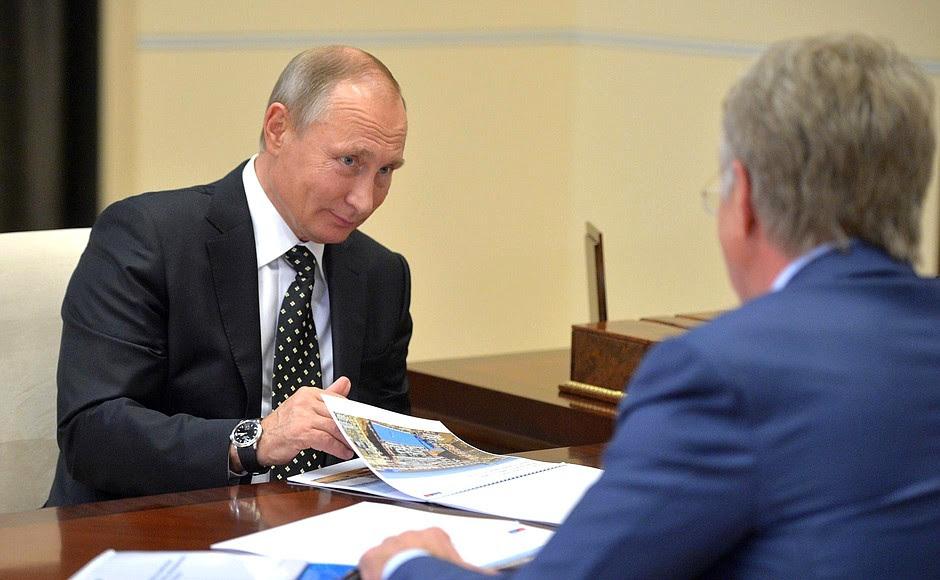 Спредседателем правления компании «НОВАТЭК» Леонидом Михельсоном.
