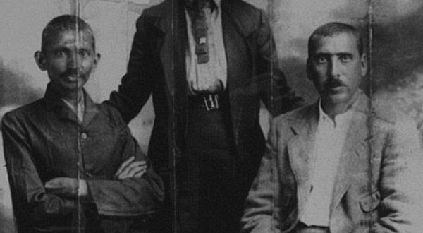Foto : Mahatma Gandhi & Hermann Kallenbach (Daily Mail)