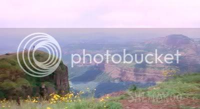 http://i298.photobucket.com/albums/mm253/blogspot_images/Gumnaam/PDVD_037.jpg