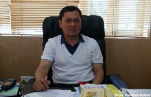 tay-za-at-office