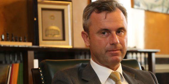 Norbert HOFER, FPÖ, in seinem Büro/ Parlament