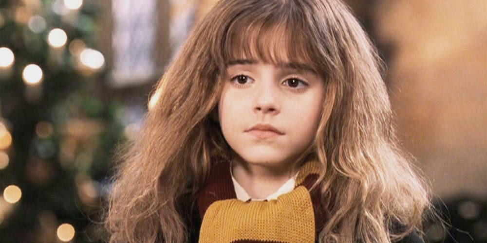 hermione granger echarpe rouge et jaune poudlard