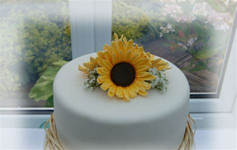 Sunflower Wedding Cake   Bakealous