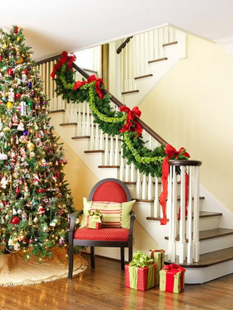 71 Awesome Christmas Stairs Decoration Ideas Digsdigs November 14 2017 Decor By Creatives Room No Comments This Entry Is Part Of 49 In