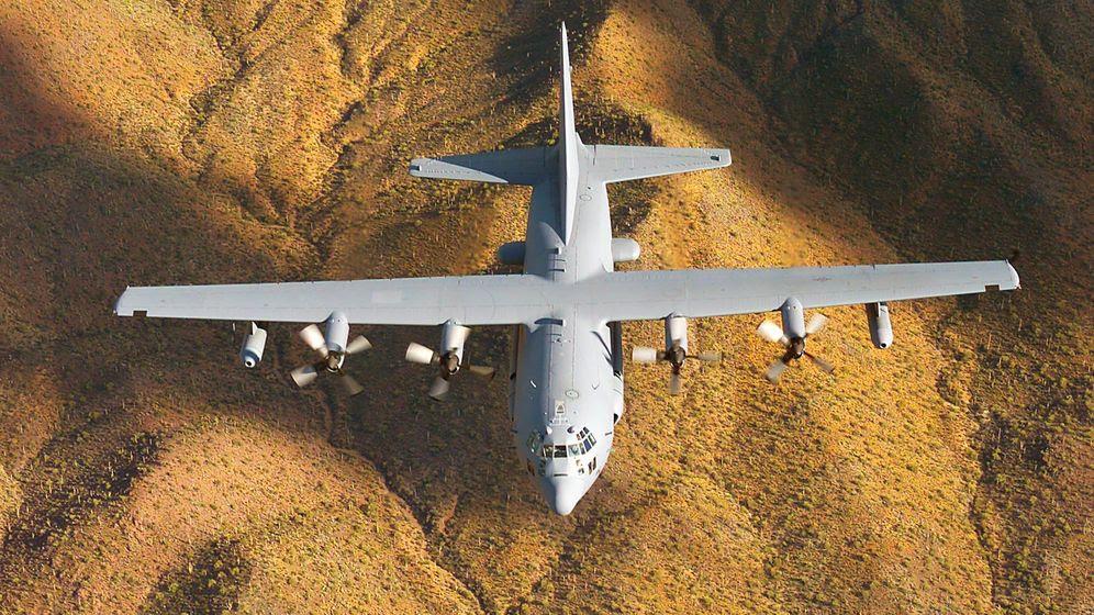 Foto: El Lockheed EC-130H Compass Call, uno de los aparatos utilizados por EEUU para su guerra electrónica contra el ISIS. (Foto: Wikimedia Commons)