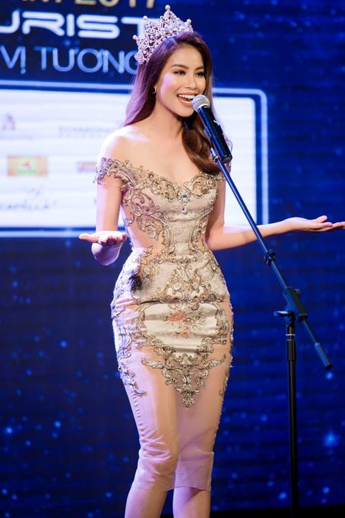Phạm Hương, Nam Em mặc xuyên thấu, khoét xẻ gợi cảm - 4