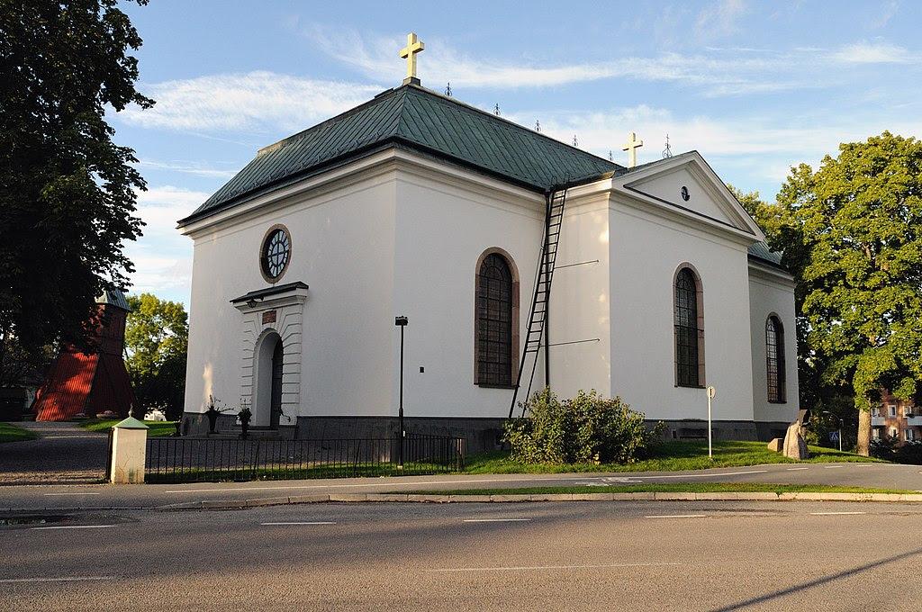 Vaxholms kyrka from gatan.jpg