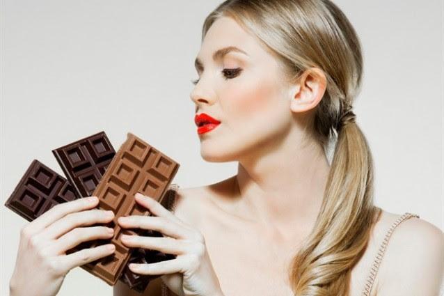 Sesso: cosa mangiare e cosa evitare prima di fare l'amore.