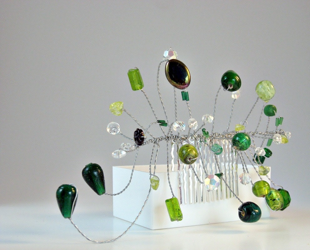 Green Hair Comb Wedding Light Green Fascinator Woodland Beaded Hair Vine - BellaHoneyArt