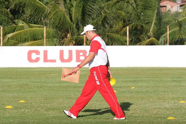 O América soube fazer o jogo que lhe interessava e agora vamos buscar a vitória em Ceará-Mirim - Roberto Fernandes, técnico do América