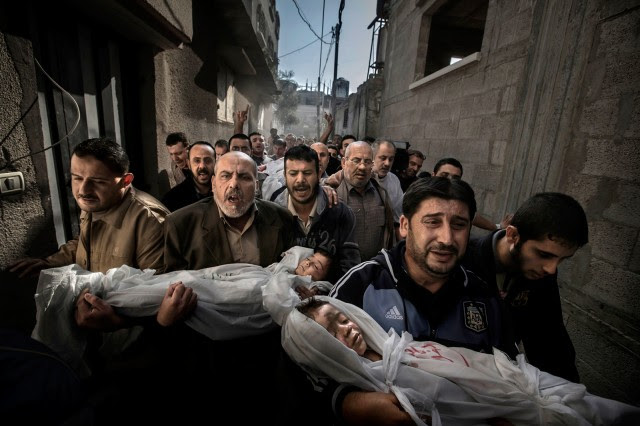 2013 World Press Photo of the Year: Gaza Burial, by Paul Hansen