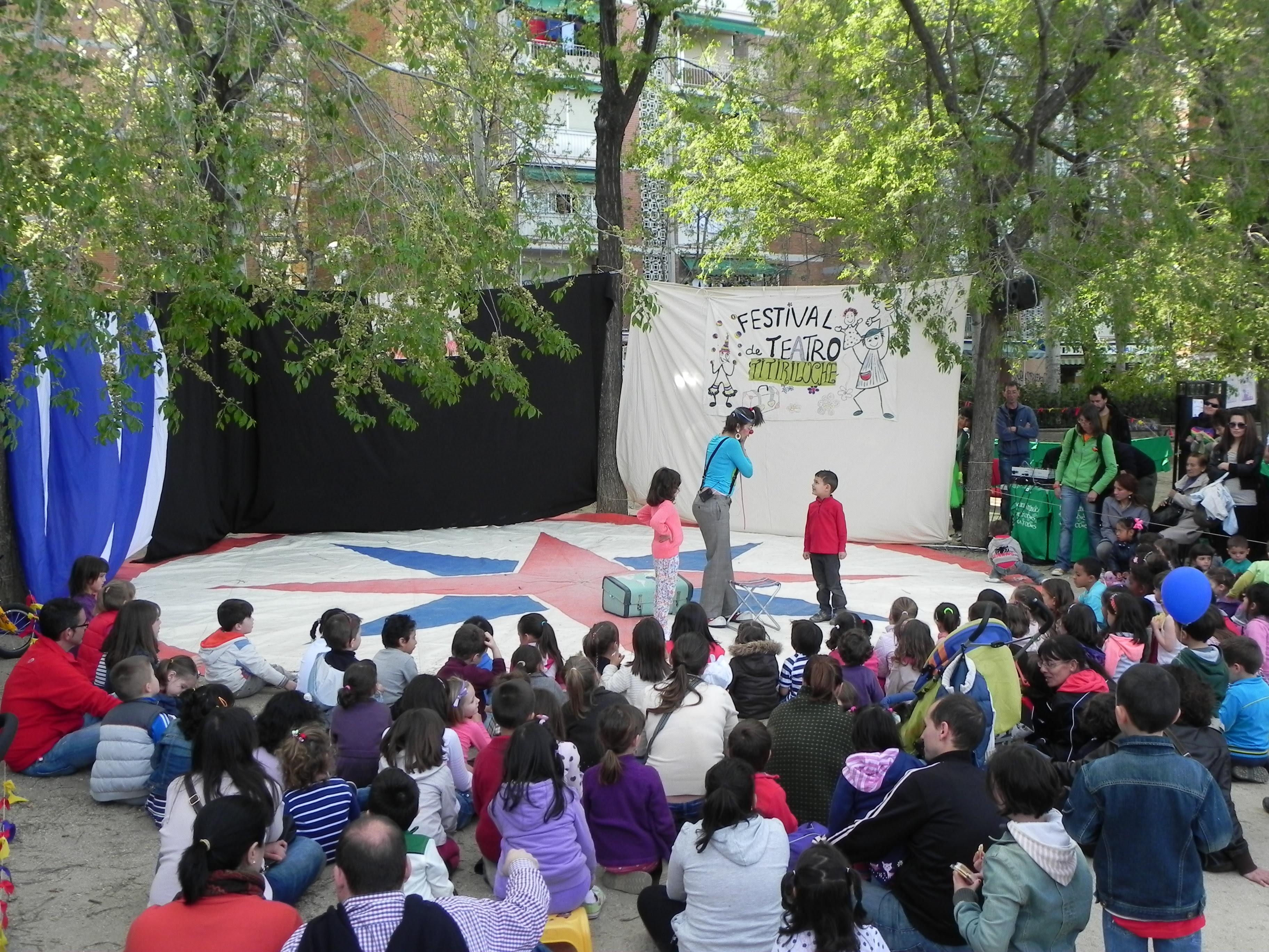clown payasa, actuación infantil..,fiestas de colegio, teatro infantil, teatro de calle, festival de calle