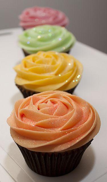 Pastel Birthday Cupcakes