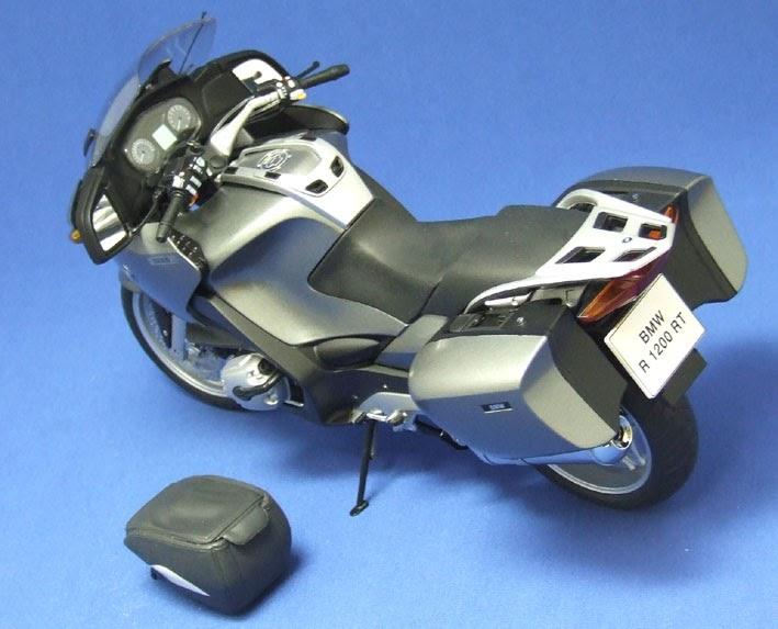 l 39 effet des v tements accessoires moto bmw r1200rt maquette. Black Bedroom Furniture Sets. Home Design Ideas