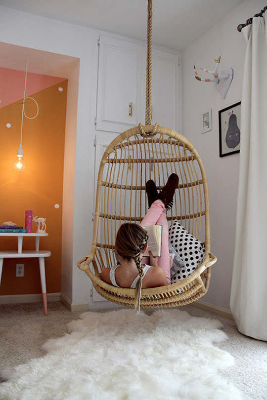Awesome Spotting: A Hanging Chair For Your Living Room | The ...