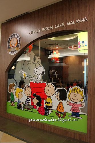 Charlie Brown Cafe 04