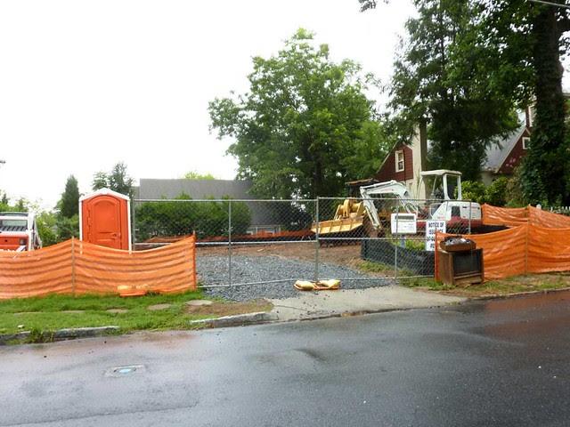 P1110999-2011-06-23-9th-Street-Teardown-Sideways-House