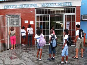 A Escola Municipal Brant Horta está sem aulas nesta sexta