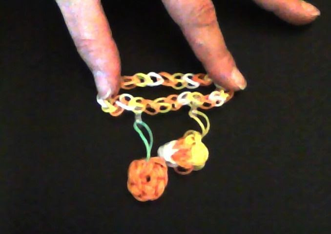 Made By Kayleigh -following Made by Mommy's Candy Corn on the Rainbow Loom #RAINBOWLOOM #HALLOWEEN