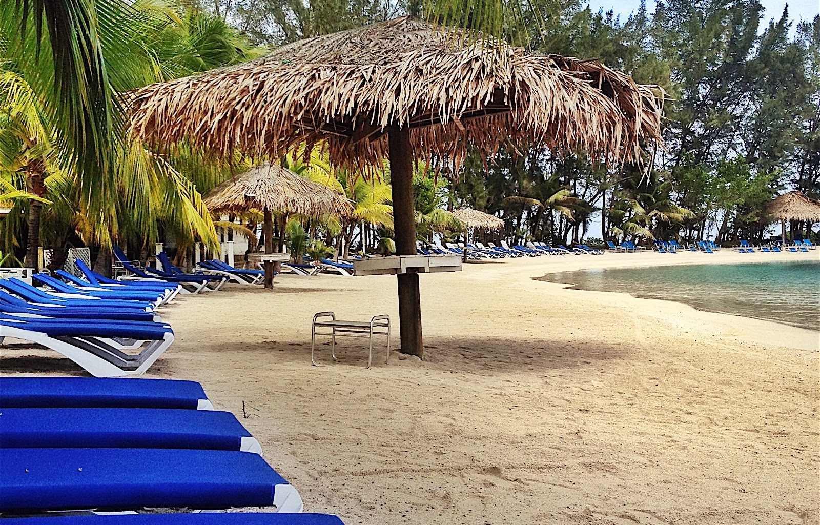 Roatan Diving  Resorts and Hotels
