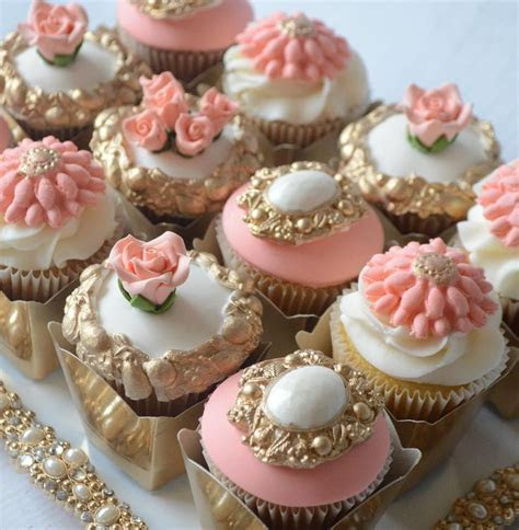 581 best cupcakes images on Pinterest   Pretty cupcakes