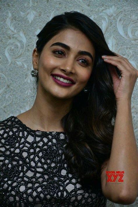 28 best pooja hegde images on Pinterest   Bollywood