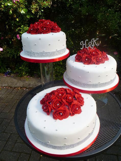Red And White Wedding Cake Ideas Wedding Cake   Cake Ideas