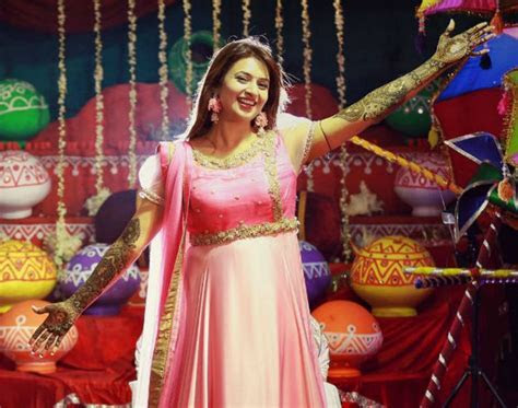 Check Photos : Divyanka Tripathi's Dreamy Haldi & Mehendi