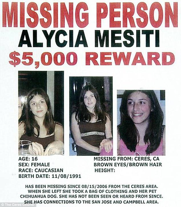 Khi Alycia mất tích trong năm 2006, bố cô nói rằng cô đi chơi cắm trại với bạn bè và không bao giờ trở lại.  Phía trên, người đăng bức chân dung của cô từ thời điểm đó