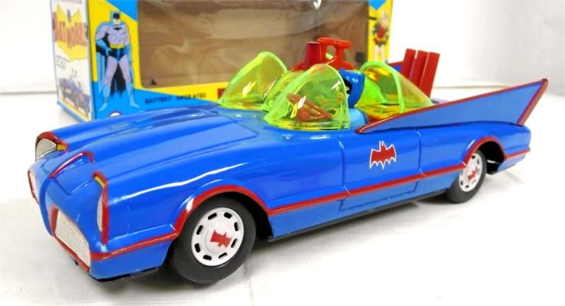 batman_ahitinbatmobile3.jpg