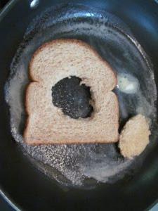 cut-hole-in-bread