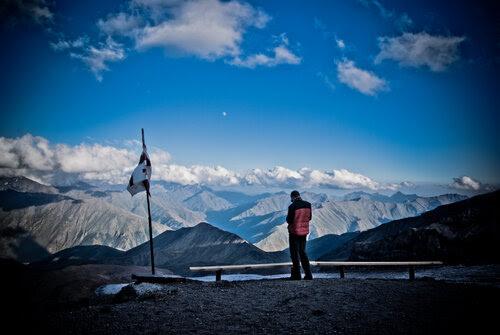 Альпинистский приют на Казбеке