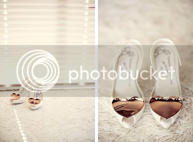 http://i892.photobucket.com/albums/ac125/lovemademedoit/VT_fraanschhoekwedding_001.jpg?t=1298038977