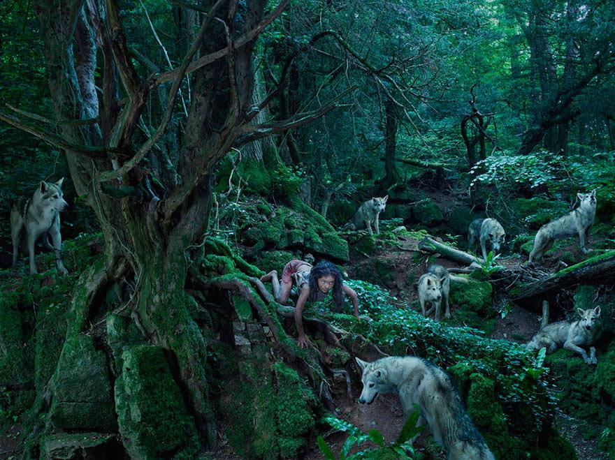 feral-children-wild-animals-photos-fullerton-batten-8