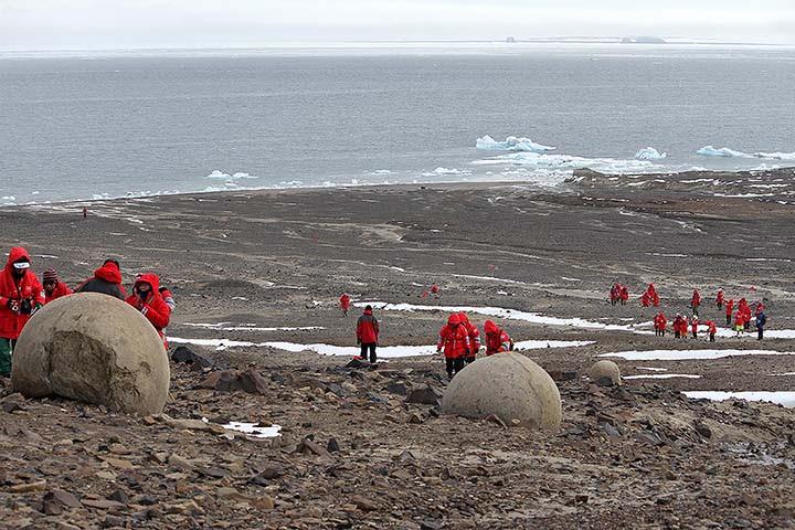 mysterious stone spheres arctic island, mysterious stone spheres arctic island pictures, mysterious stone spheres arctic island video, mysterious stone spheres arctic island russia