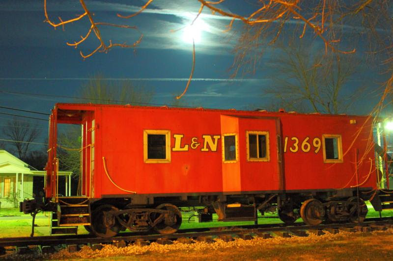 Louisville and Nashville caboose in Guthrie Kentucky