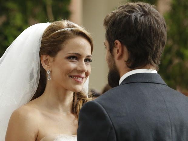 Não podia ser diferente, Cris e Vicente juntos! (Foto: Felipe Monteiro/TV Globo)